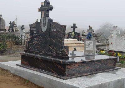 servicii funerare morminte
